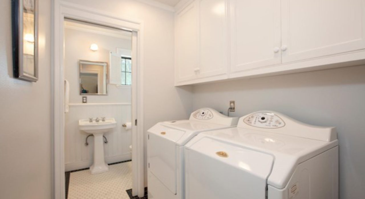 019-10-Laundry Room and Powder Room-1500×1000-72dpi_orig